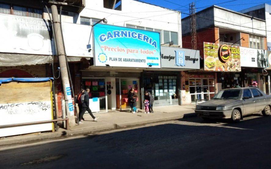 Roban 400.000 pesos en medias reses y cerdo de una carnicería en Moreno