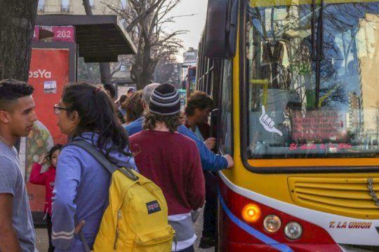 paro de transporte: la uta comenzo con la medida de fuerza tras el fracaso de las paritarias