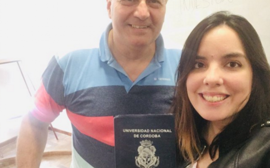 """""""Alberto dignifica"""": aprobó un examen en la facultad gracias a una respuesta de Alberto Fernández en twitter"""