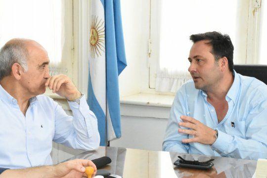 Víctor Aiola es candidato a delegado al Comité Nacional de la UCR en la lista que encabeza Maximiliano Abad apadrinado por Daniel Salvador. Puso en duda las palabras de Emilio Monzó.