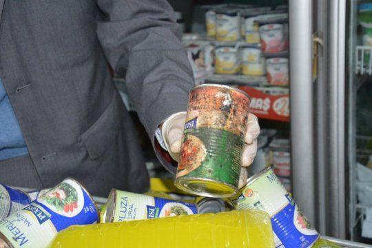 clausuran un supermercado de berisso que vendia 600 kilos de productos en mal estado