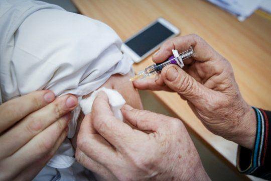 pami: este es el cronograma de vacunacion antigripal gratuita para mayores de 65 anos