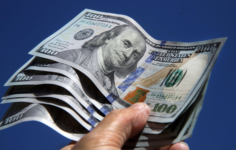 El dólar abrió operaciones con expectativas por el movimiento en el mercado informal