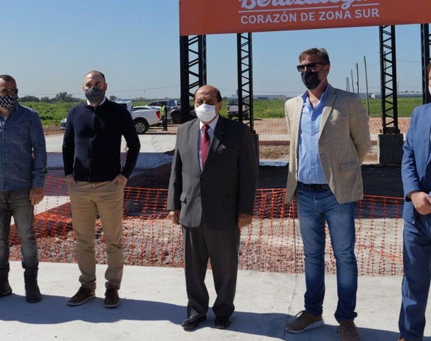Berazategui: sorpresiva visita de Martín Guzmán