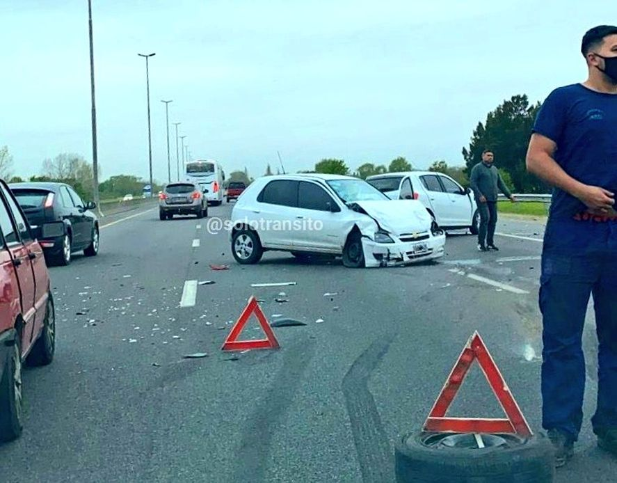 Múltiple choque y heridos en la Autopsita hacia La Plata