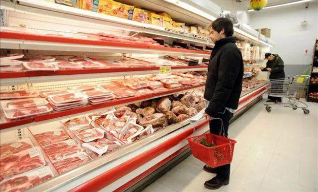 El Gobierno frenó la exportación de carne para controlar el precio