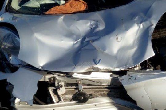 la plata: incendian un auto involucrado en accidente mortal frente a una comisaria