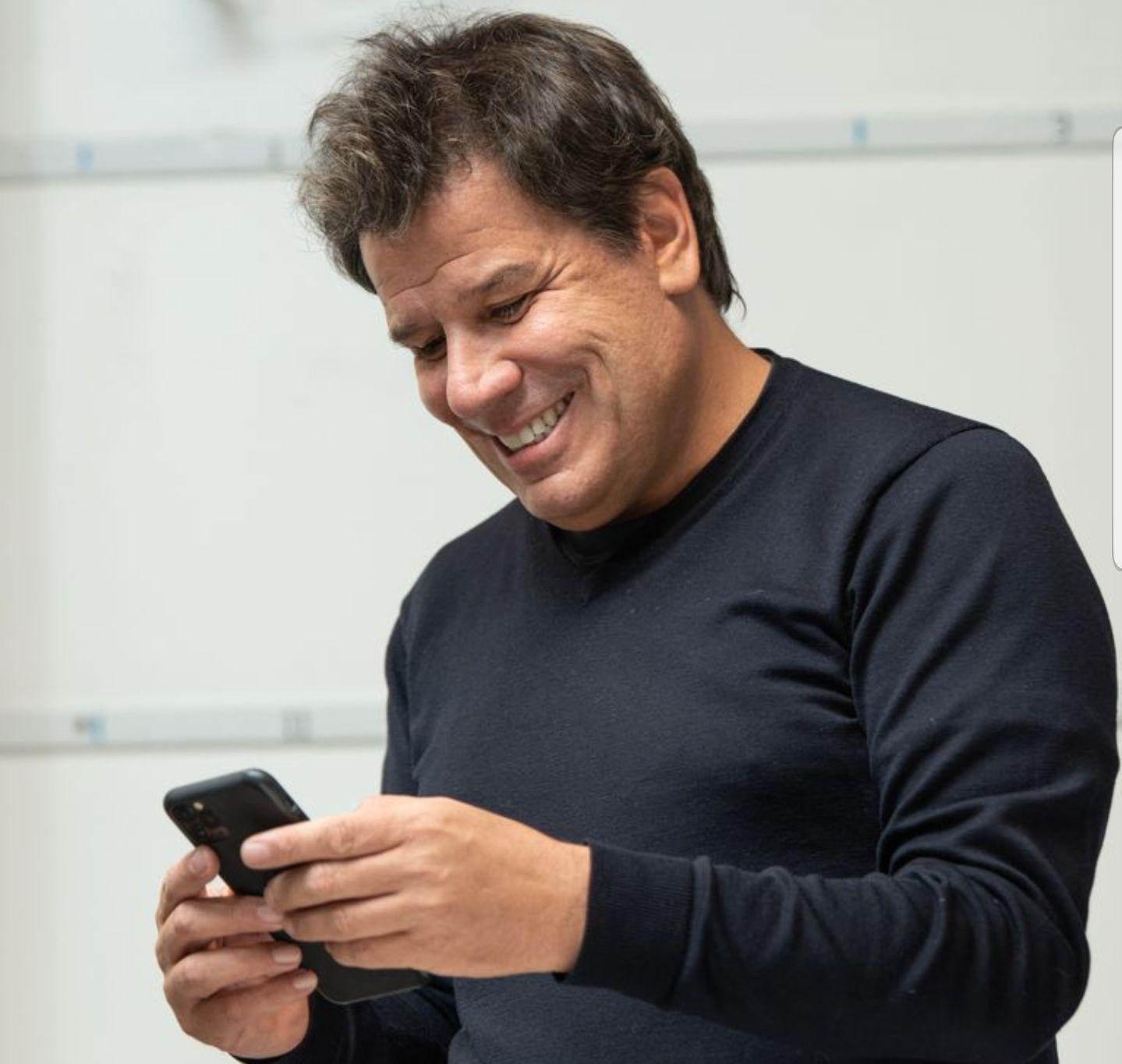 Muchos platenses mostraron su indignación en redes por recibir en el celular un SMS de Facundo Manes