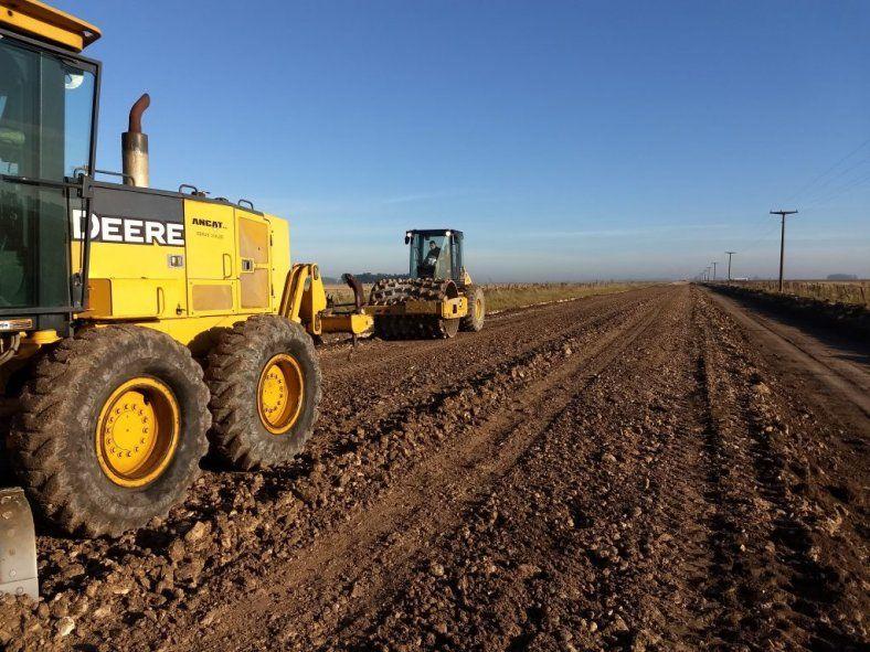 La Provincia apuesta a mejorar los caminos rurales