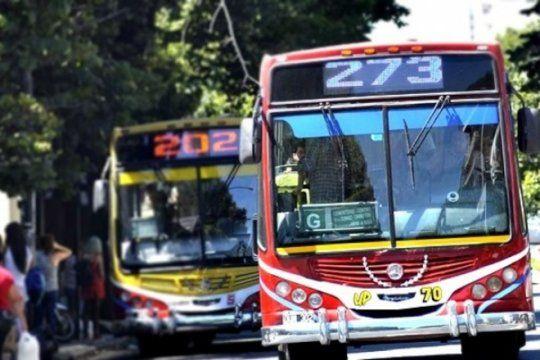 El paro de colectivos en La Plata comenzó y se extenderá hasta las 23.59 del jueves