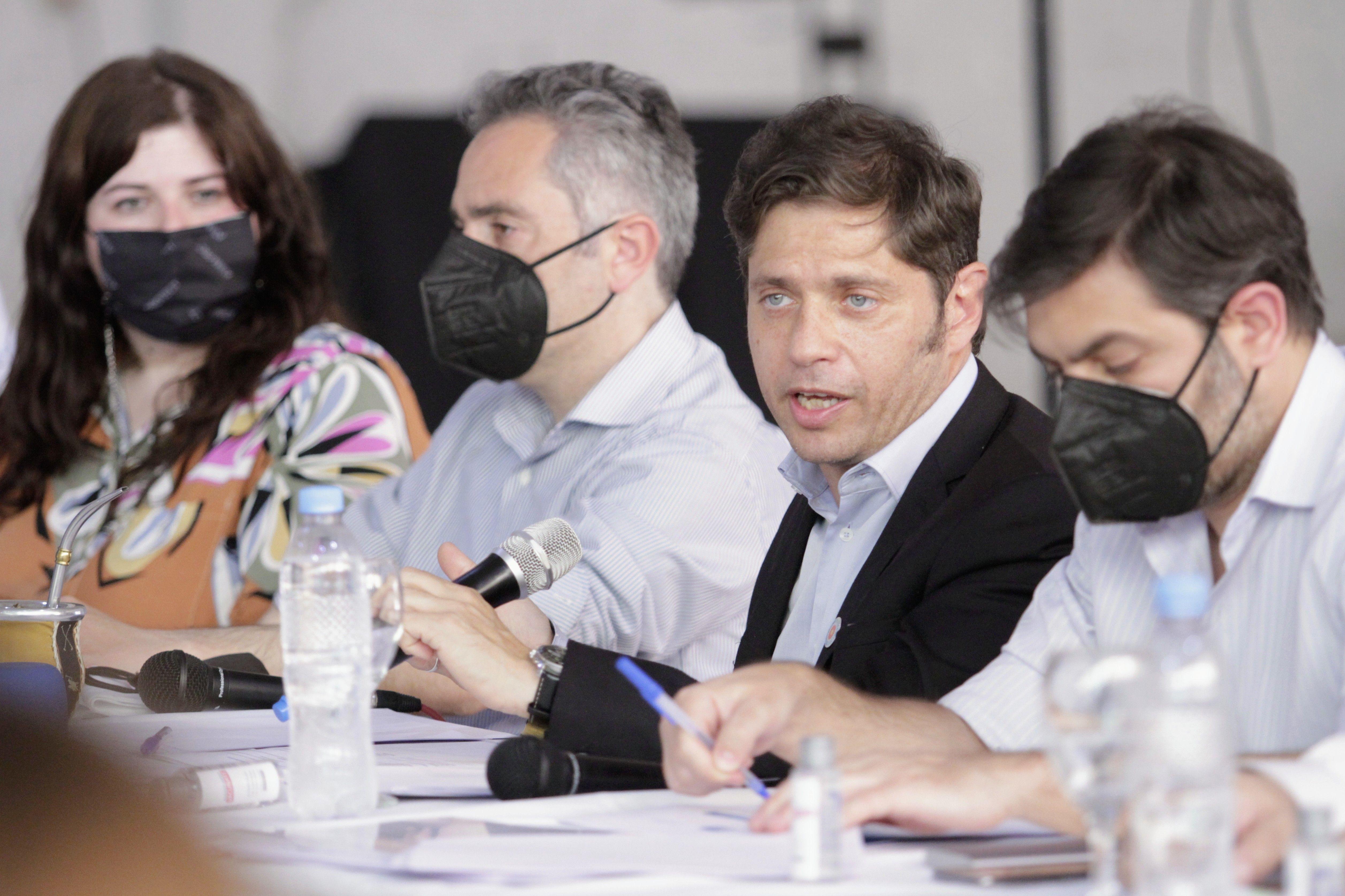 Axel Kicillof se reunió con comerciantes e industriales