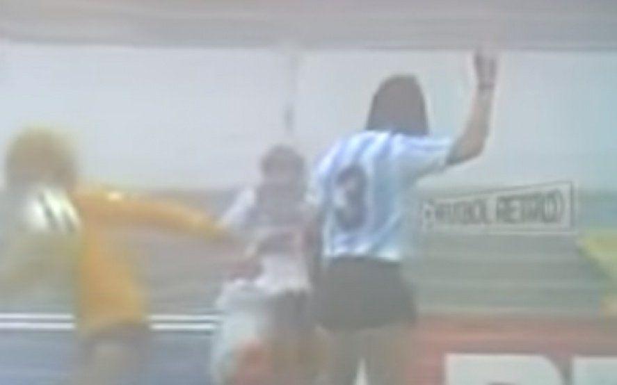 El único antecedente de Argentina jugando por el tercer puesto: Con Diego y Caniggia jugando con un particular número