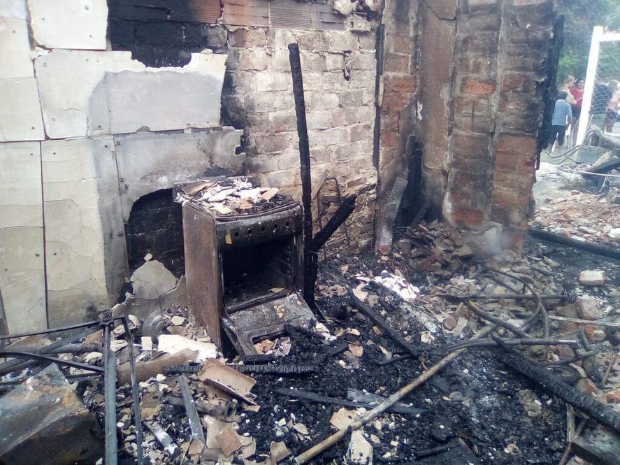 La Plata: voraz incendio dejó a una familia sin nada