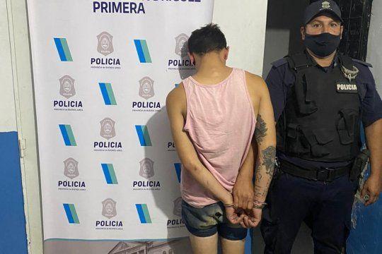 El joven de 22 años fue detenido cuando trabajaba en una pollería