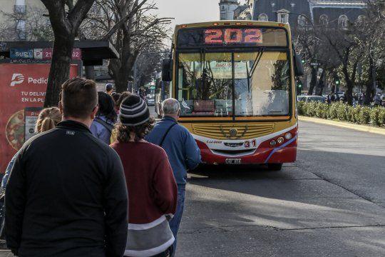 la plata: refuerzan protocolos en el transporte publico