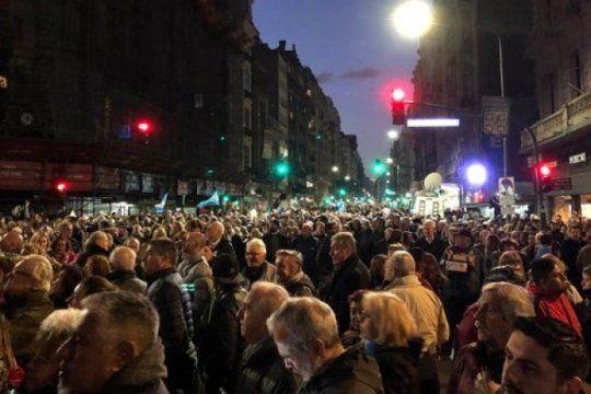 #21a: en distintos puntos del pais marchan para pedir el desafuero de cristina kirchner