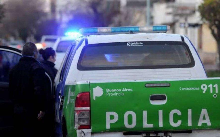 Detienen a tres policías acusados de realizar allanamientos ilegales, extorsiones y hurtos