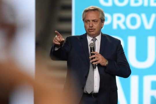 Alberto Fernández termina el 2020 con 59% de imagen positiva