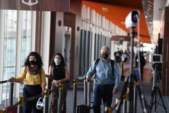 El gobierno de la provincia deBuenos Aires oficializó las nuevasmedidas que aplican a todos los bonaerenses que salgan del paísdesde este jueves 1 de julio