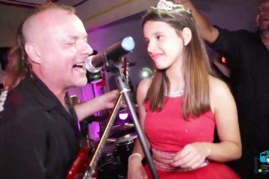 la renga dio un show en pleno cumpleanos de 15: la adolescente canto con ellos y se hizo viral en redes
