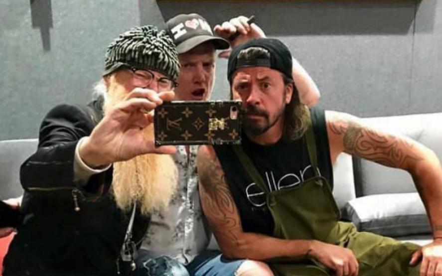 Alta yunta: Josh Homme está preparando algo con su amigo Dave Grohl y el legendario Billy Gibbons