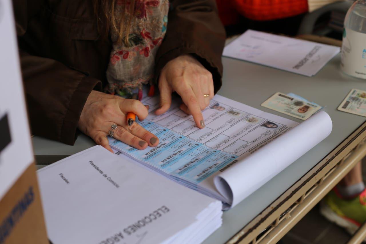 Las personas que no se presentaron a votar en estas elecciones PASO, deberán justificarse o pagar una multa.