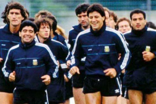 enterate quien es el tecnico que dirigio tres selecciones en un ano y vuelve al futbol argentino
