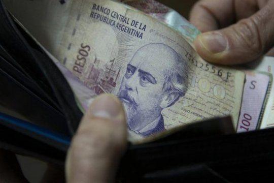 el gobierno analiza como garantizar un aumento para los salarios mas bajos de los estatales