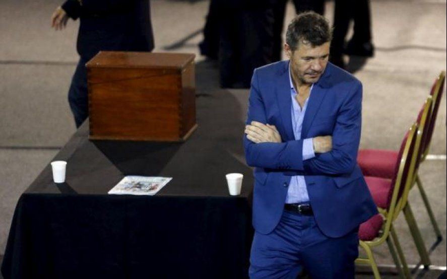 "Fantino destrozó a Tinelli: ""Se abrazó con Cristina, Néstor, Menem, De la Rúa, Scioli, Macri ¿Qué es?"