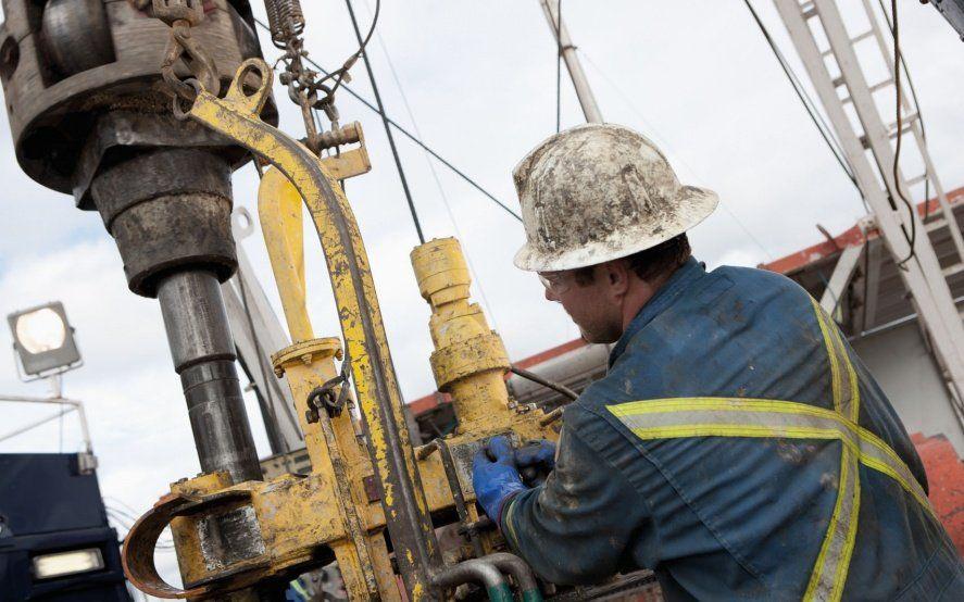 Gremios petroleros acordaron un aumento salarial con las cámaras empresarias