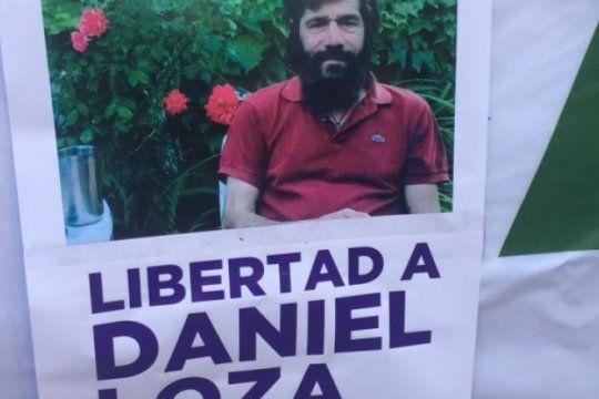 liberan al profesor botanico tras la movilizacion frente a los tribunales platenses
