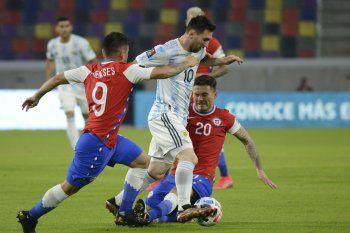 Lionel Messi en el partido entre Argentina y Chile por las Eliminatorias Sudamericanas
