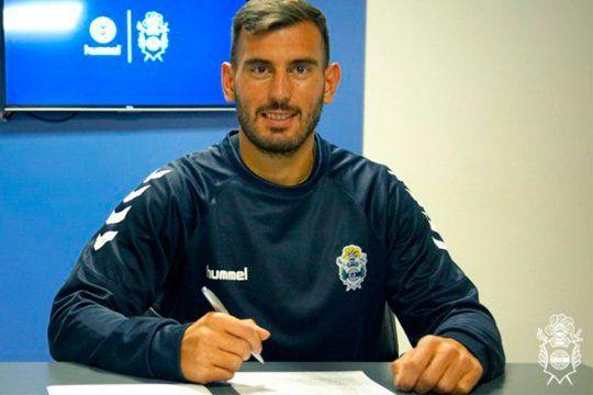 Domínguez puso la firma con Gimnasia y se espera la de Leyes.