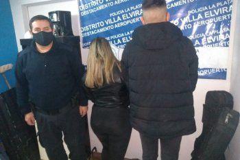 La pareja detenida luego de una celada policial en La Plata