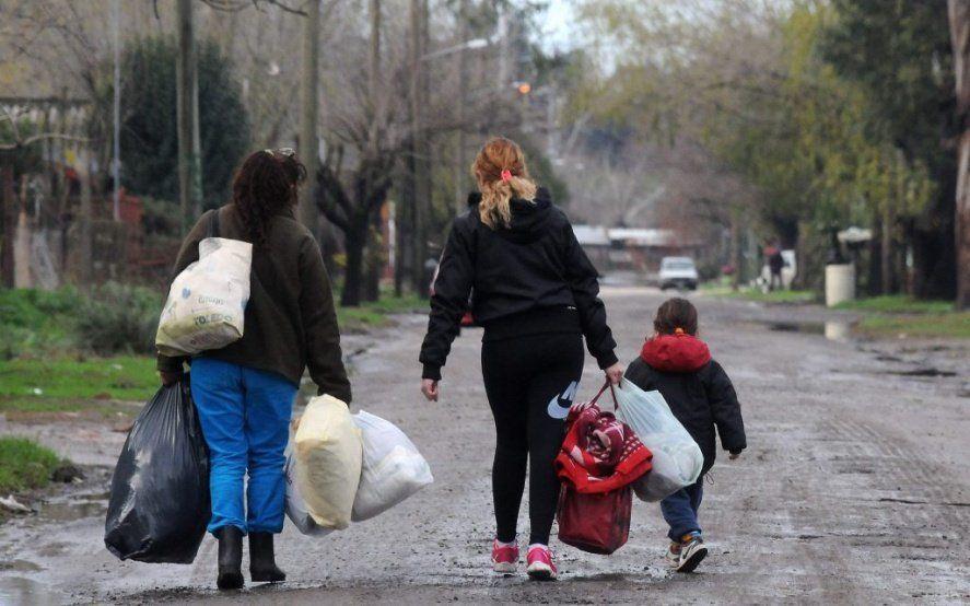 """La pobreza del INDEC se refleja en la calle: en Cáritas ven """"un crecimiento exponencial"""""""