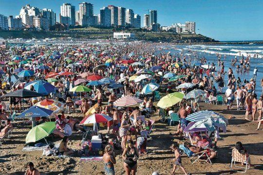 fin de semana desbordado: en mar del plata colapso la hoteleria y muchos se alojaron en casas de familia