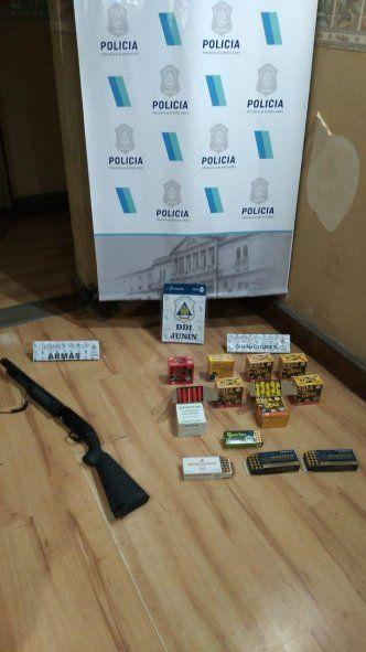 Junín: allanaron su casa por violencia de género y encontraron una escopeta y 450 cartuchos