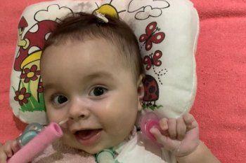 Santi Maratea consiguió el dinero de donaciones y compraron el llamado medicamento más caro del mundo para la pequeña Emmita