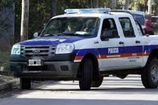 un policia quiso recuperar su auto robado y hubo un tiroteo
