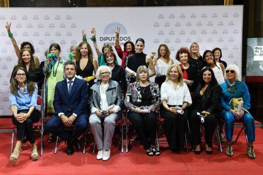 massa y gomez alcorta reconocieron a 22 mujeres por sus luchas feministas y labor social