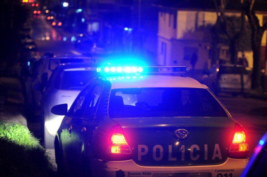 Un niño quedó en medio de un violento asalto