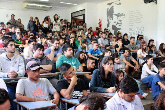 curso de ingreso unlp: con aulas llenas, arrancan las clases en economicas, trabajo social y periodismo