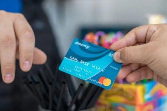 Los beneficiarios que tienen la Tarjeta Alimentar en su formato físico, cobraron el monto de abril el pasado viernes.