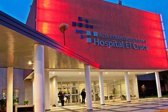 hospital el cruce: trabajadores convocan asamblea permanente y movilizacion contra el ajuste en salud