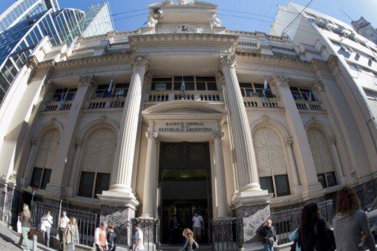 por intereses de leliq, los bancos se llevan por mes el equivalente a mas de 6 millones de jubilaciones minimas