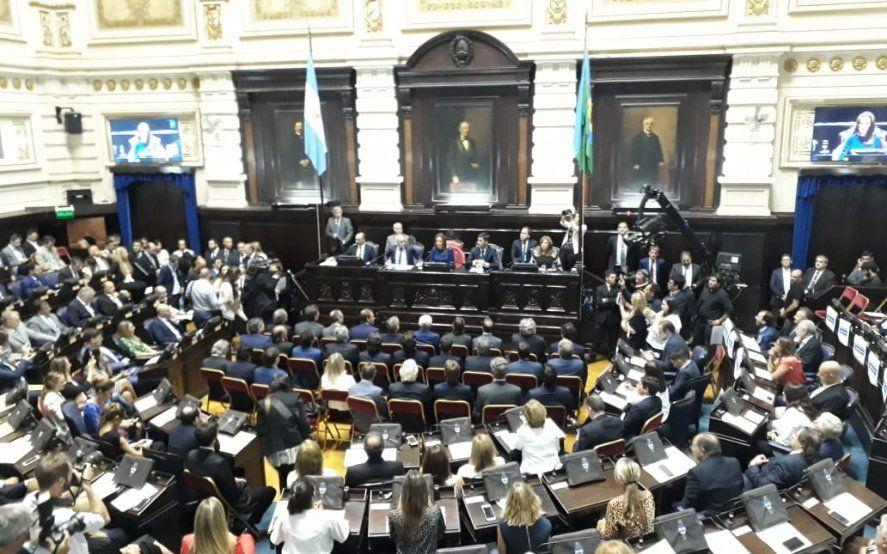 La asamblea legislativa a pleno.