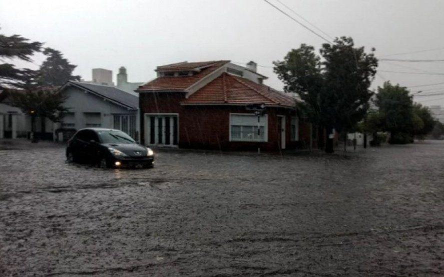 La Plata: Así se vivió el temporal con fuertes vientos, lluvia y granizo en la ciudad