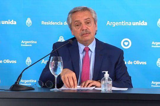 El presidente Alberto Fernández llegó a tener un 93,8% de imagen positiva en marzo. Hoy ronda el 57%.