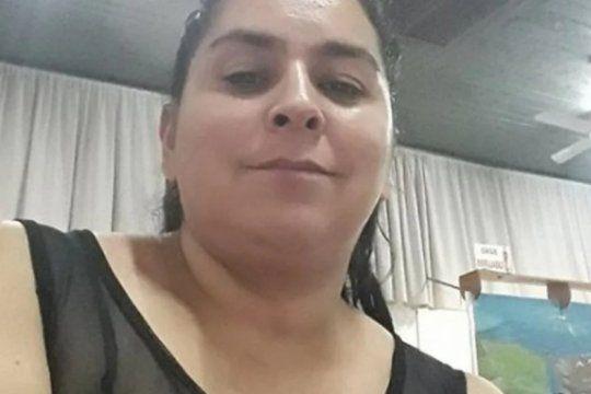murio una mujer que fue rociada y prendida fuego por su ex pareja delante de sus hijos