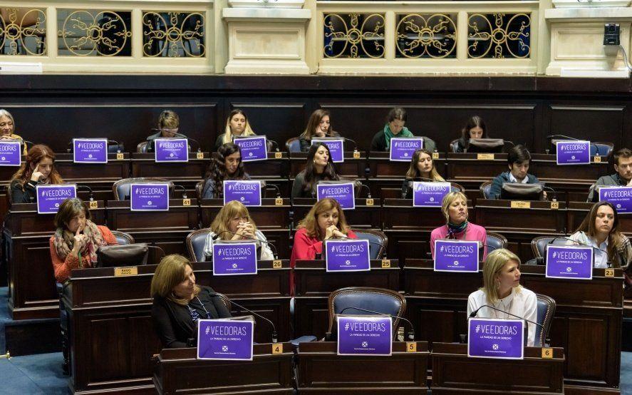 Los movimientos inesperados que podrían darse en las Cámaras entre licencias, renuncias y ley de paridad